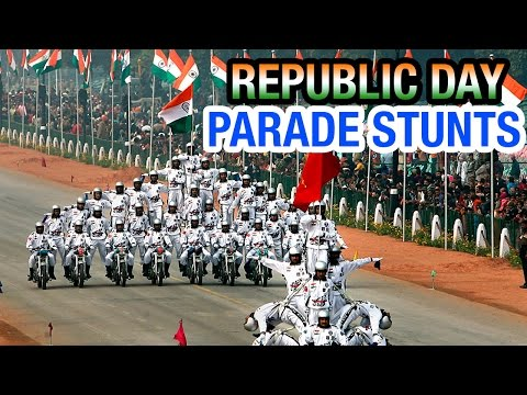 Indian soldiers display amazing bike stunts at Republic Day parade | PM Modi | Barack Obama