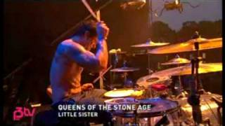 [6]Queens Of The Stone Age - Little Sister (Live at Hove 07)