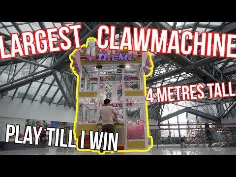 BIGGEST CLAW MACHINE!!! - Arcade Ninja