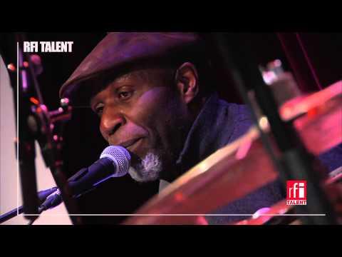 Fredy Massamba & Ray Lema - 'Nkento' (Live)
