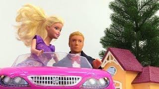 Видео для девочек -  Как Барби чуть не пропустила свидание