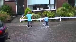 Water in de straat 1