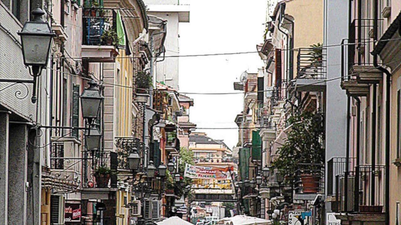Pescara italy youtube for Be italia