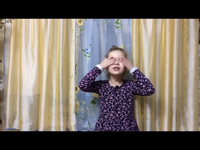 Изображение предпросмотра прочтения – ЕкатеринаТрибунская читает произведение «Ворона и Лисица» И.А.Крылова