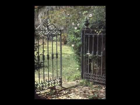 Landscaping Ideas: the Garden Gate