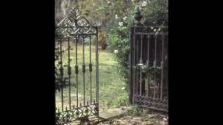 Landscaping Ideas: The Garden Gate