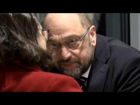 Desaströse Umfrage : SPD verliert im GroKo-Drama deutlich an Zustimmung