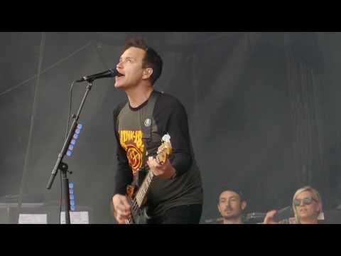 blink-182 with Matt Skiba - Cynical - live at Rock Werchter 2017, Belgium (4K)
