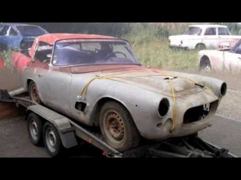 Auto abbandonate car perse smarrite vecchie antiche rovinate