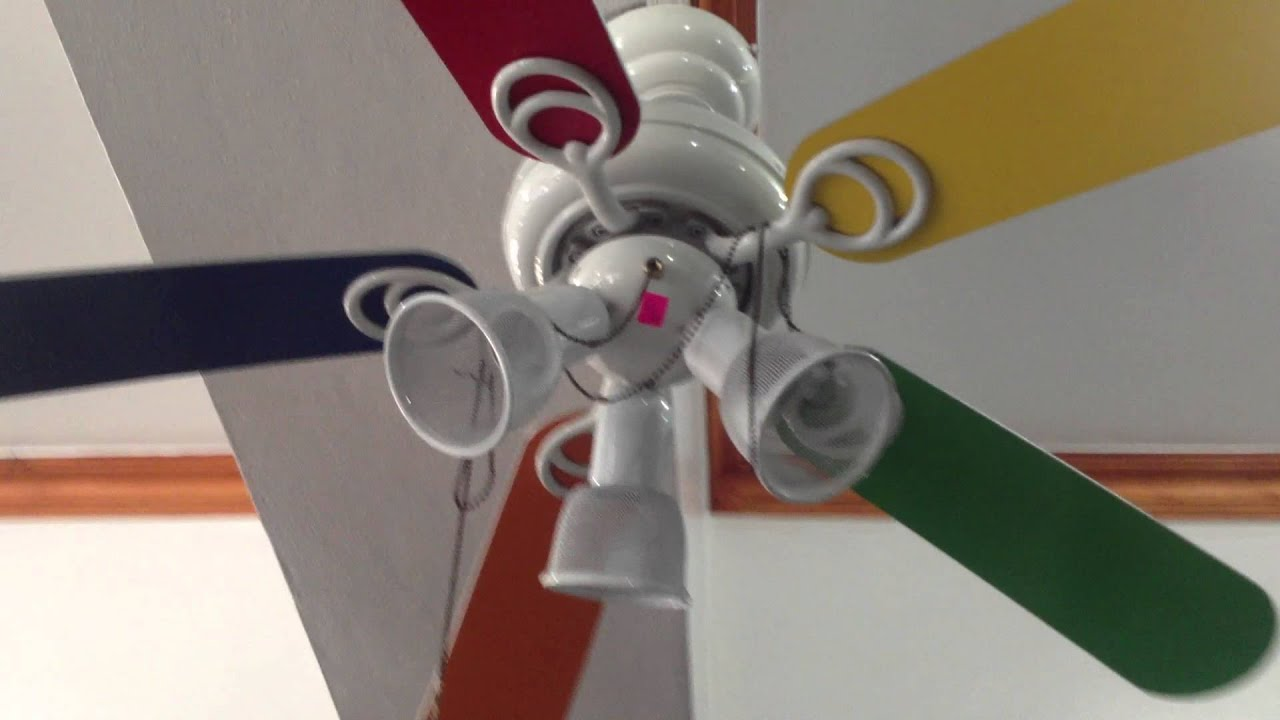 Hampton Bay Carousel II ceiling fan at thrift shop in DR - YouTube