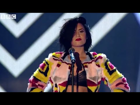 Demi Lovato - Confident (live)  BBC Radio's 1 Teen Awards