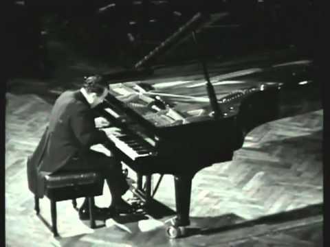 Claudio Arrau - Beethoven - Piano Sonata No 14 in C-sharp minor, Op 27, No 2