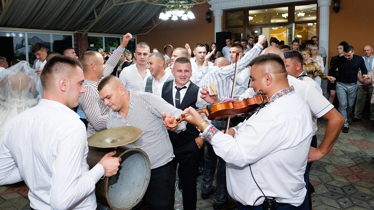 Colaj muzica romaneasca. Muzica populara si muzica de petrecere cu formatia Prietenia