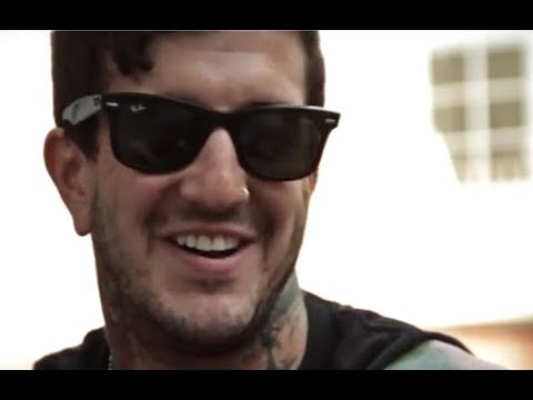 Former Of Mice & Men vocalist Austin Carlile has new music coming out soon..!