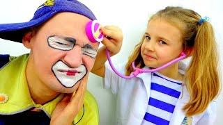New funny videos fo kids.  Cute baby & Clown Andrew! Клоун и смешные. Смешное видео для детей thumbnail