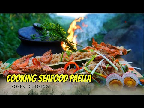 primitive-|-salted-egg-seafood-paella-|-bamboo-rice-|-forest-cooking