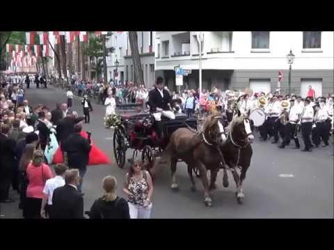 2017 0618 Regimentskönigspaar   Parade    St Seb Schützenverein Df Bilk YT