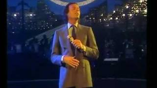 JULIO IGLESIAS - (1982)- Begin the beguine (Volver a empezar)-EN VIVO