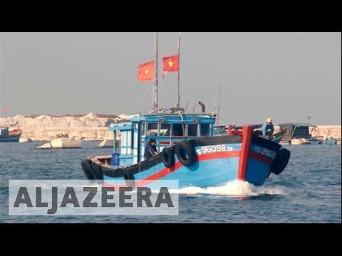 Vietnamese Fishermen Defy South China Sea Ban