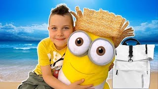 Story about fun packing for a day at the beach w Minion & Timko Kid
