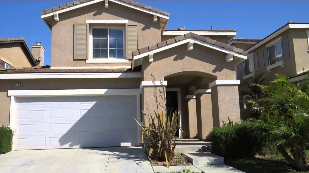 Oxnard CA Foreclosures Home With 3 Bedrooms 2 Car Parking Garage