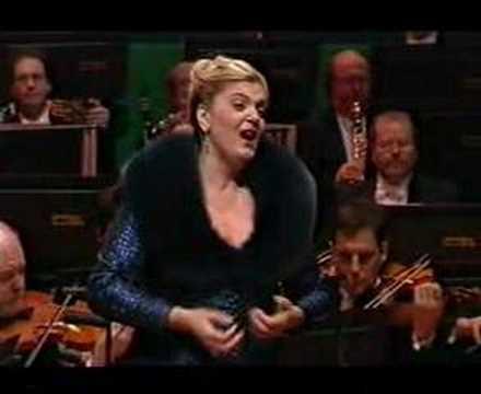Elisabete Matos singing Leonora from Trovatore