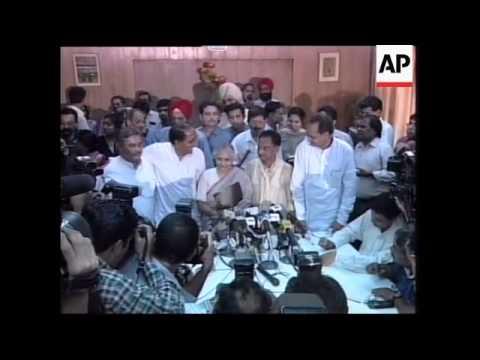 INDIA: SONIA GANDHI RESIGNATION LATEST (2)