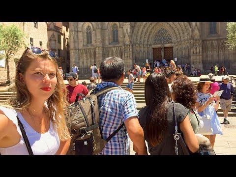 BARCELONA WALK | Barcelona Cathedral's Tourist-Filled Square | Spain