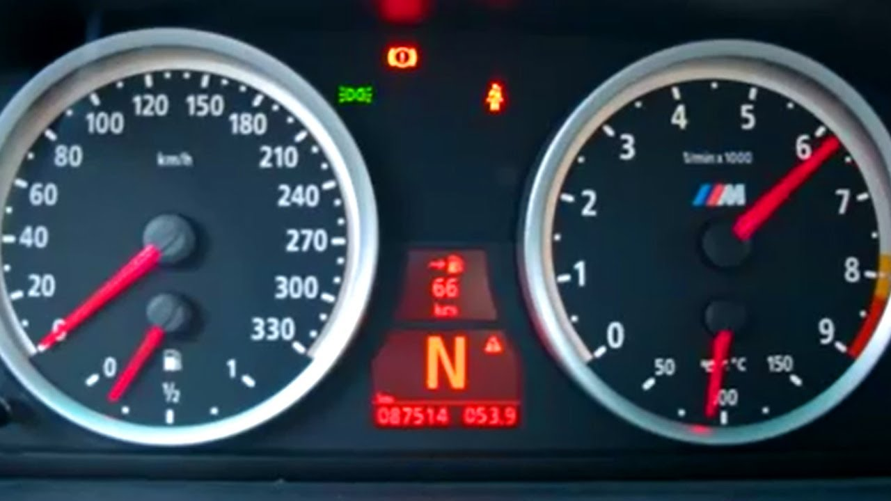 bmw-m5-e60-in-action-revving-sound-kickdown-acceleration-exhaust-v10-507-ps-power-in-berlin-city