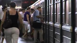 видео Как правильно выбрать выход из метро.