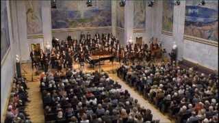 Play Piano Concerto In A Minor, Op. 16 I. Allegro Moderato (Havard Gimse)