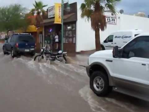 После сильного дождя. Потоп: Arizona ,Havasu July 13, 2012