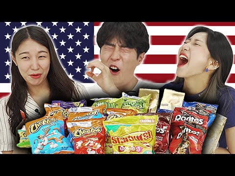 Koreans Try 'American Snacks' For The First Time!!! [UNBOXING GIFT]