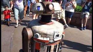 "NEW ""Star Wars"" droid J4-K3 roaming around Tomorrowland at Disneyland"