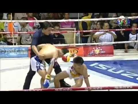 Professional Muay Thai Boxing on 2014-11-01 at Siam Stadium