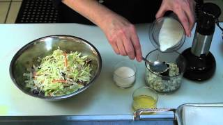 A Recipe For Creamy Blue Cheese Coleslaw : Quick & Delicious Recipes