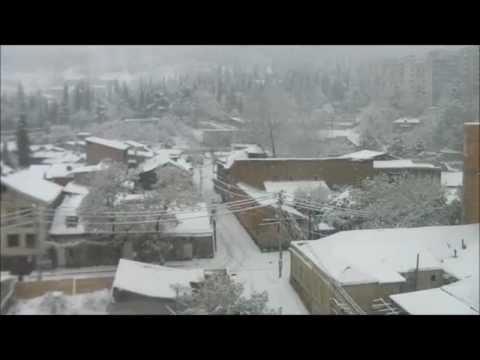 Snow in Tbilisi (HD)