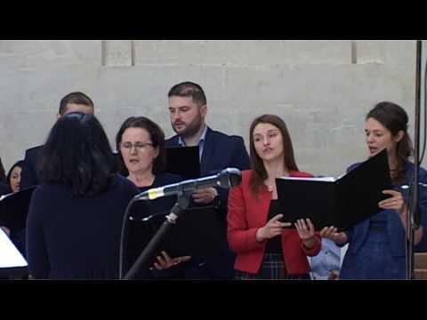 """Corul Bisericii Adventiste Grenelle Paris  """"E Cineva""""  13 mai 2017"""