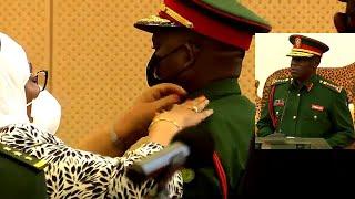 CDF Aongoza itifaki ya Kijeshi Mhe Rais Samia Akimvisha Cheo Mnadhimu Mkuu wa Jeshi Lt Gen Mkingule