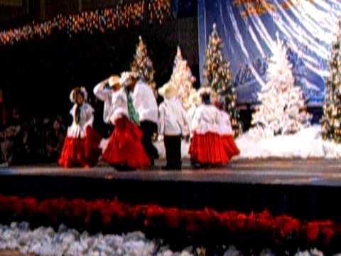 Panamanian Dancers @ Holiday Village 2009 Part 1