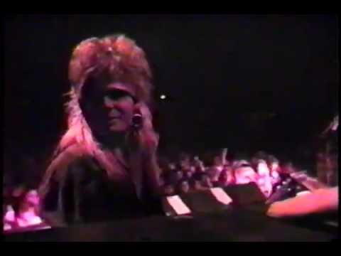 Sexx Sinn- Rattlesnake Shake live (8-26-89) Travel Video