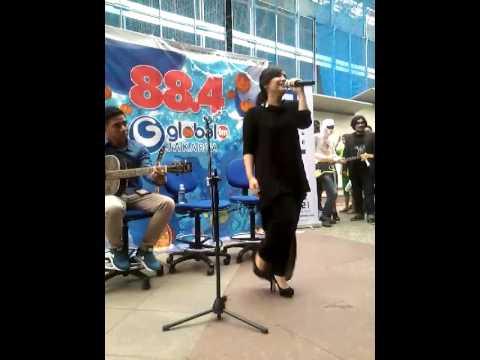 GITA GUTAWA @ ENCORE 88,4 GLOBAL RADIO