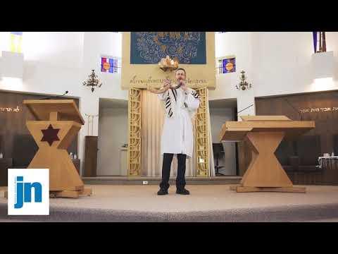 Shofar Demonstration By Maurie Perlman | Detroit Jewish News | JN