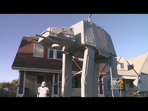 Ohio Star Wars Themed Halloween Display Strikes Back