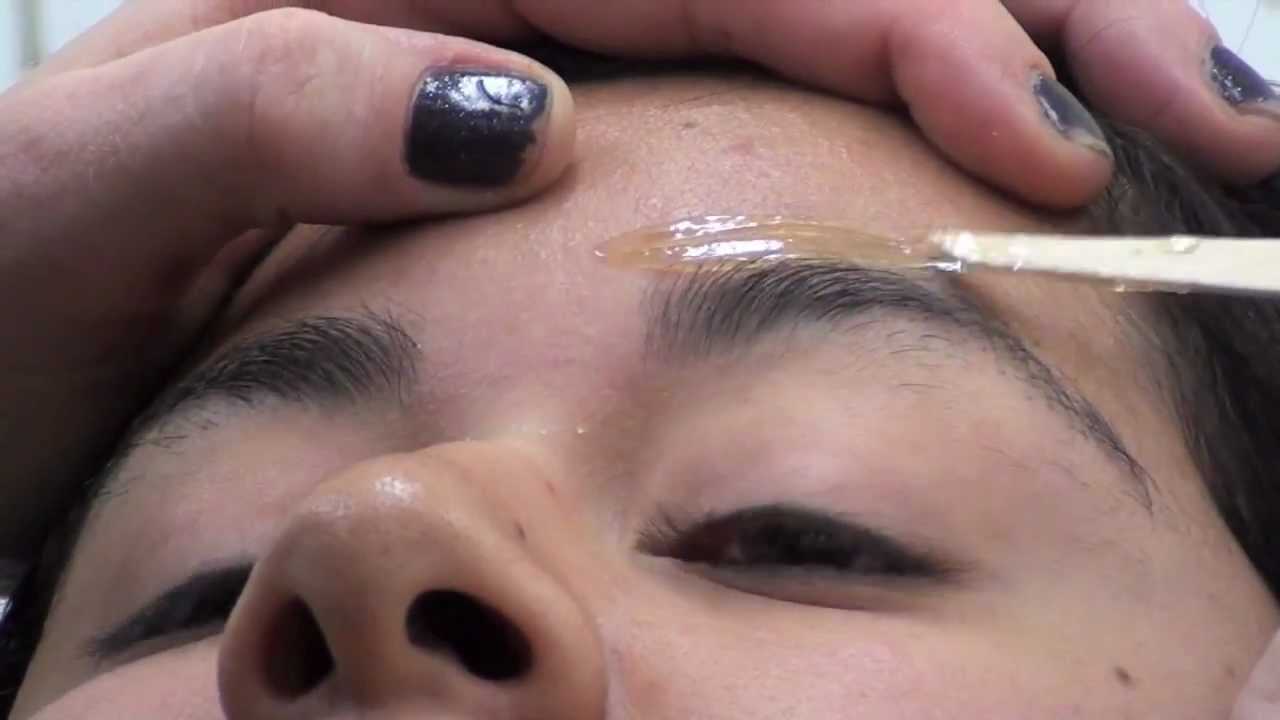 Eyebrow Wax Wax Stuck To The Eyelash Must See Watch To Learn What