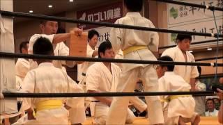 2015'7.12(日) 五所川原市で行われた闘魂祭での極真空手演武 少年部によ...