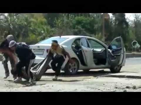 ديرالزور   سحب جثّة الشهيد محمد شلاش من السيارة