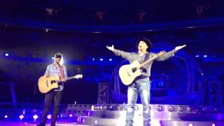 Garth Brooks Invites Up-and-coming Artist Mitch Rossell Onstage In Dallas