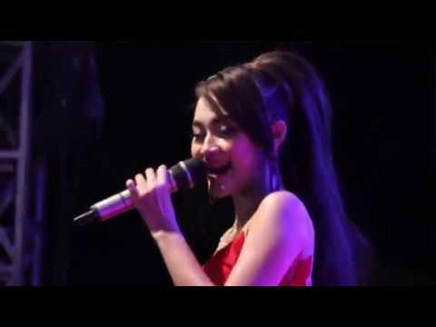 Lungset - Arlida Putri OM ADELLA live at Ngurensiti