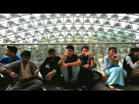 Musikal Laskar Pelangi di ESPLANADE, Singapura!